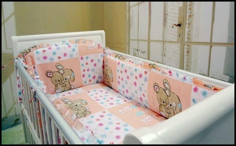 Bebek beşik için sünger yatak