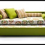 Çiçekli spor modern yataklı kanepe